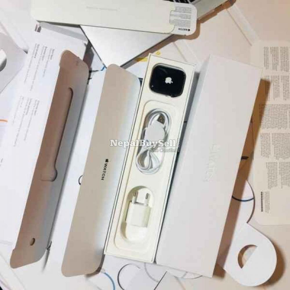 Apple watch series 6 - 2/3
