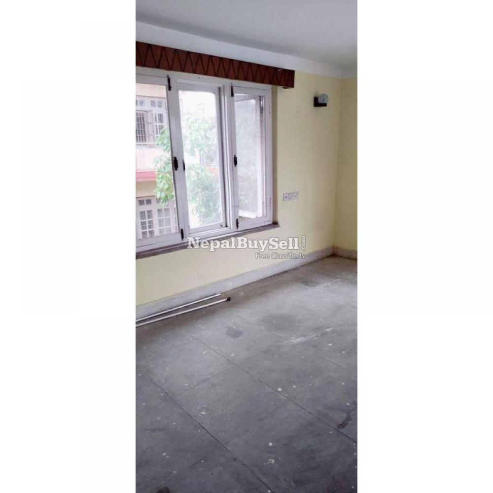 1 room 1 kitchen available - 1/4