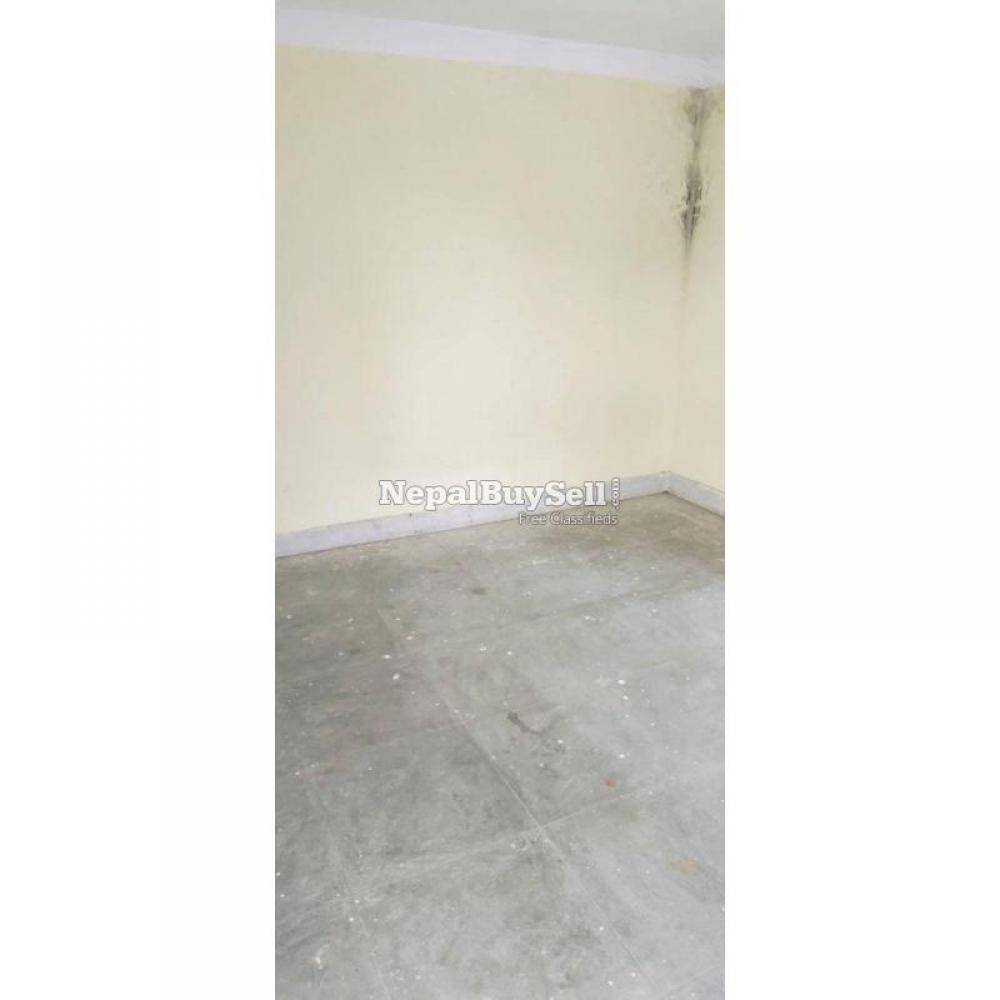 1 room 1 kitchen available - 2/4