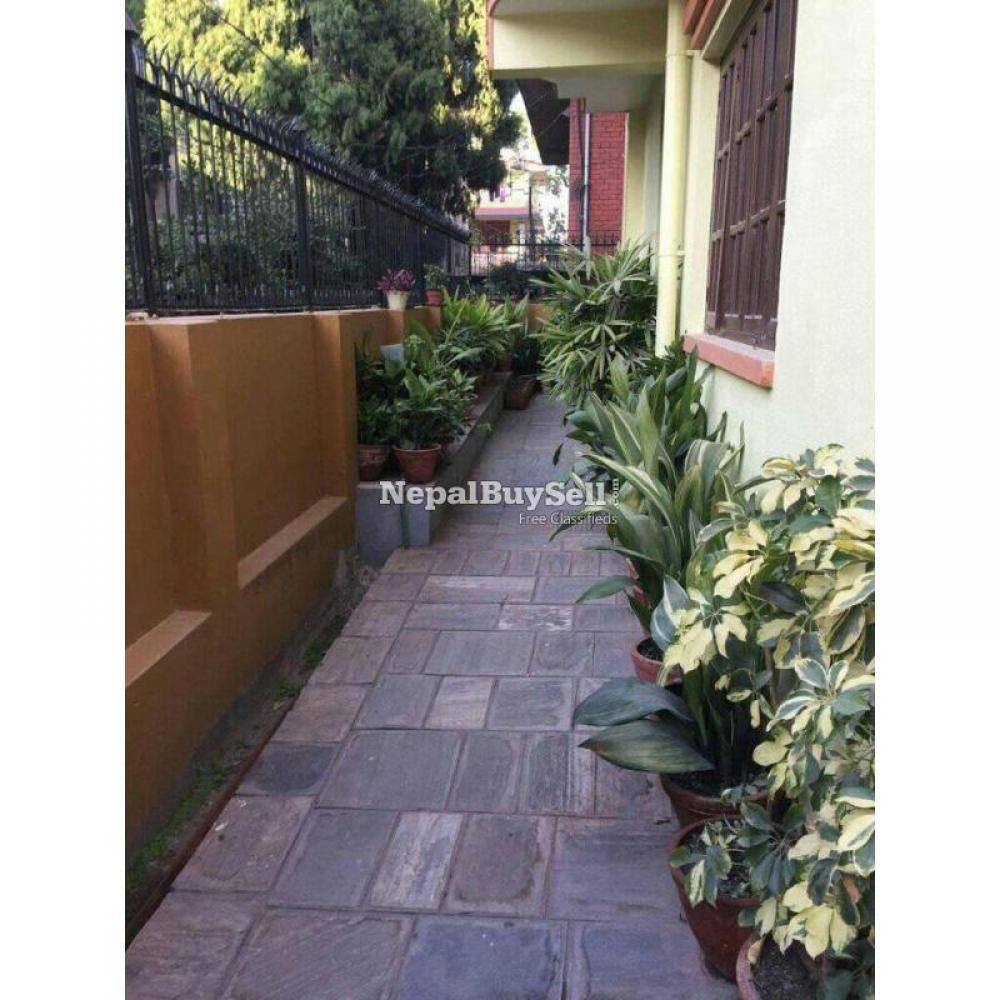 2bhk flat available - 2/9