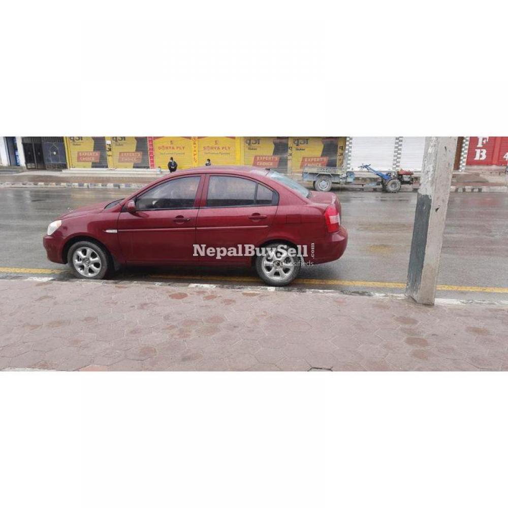Hyundai Accent - 3/4
