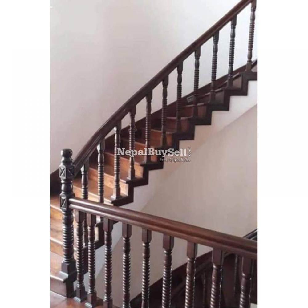 Wood railing - 1/1