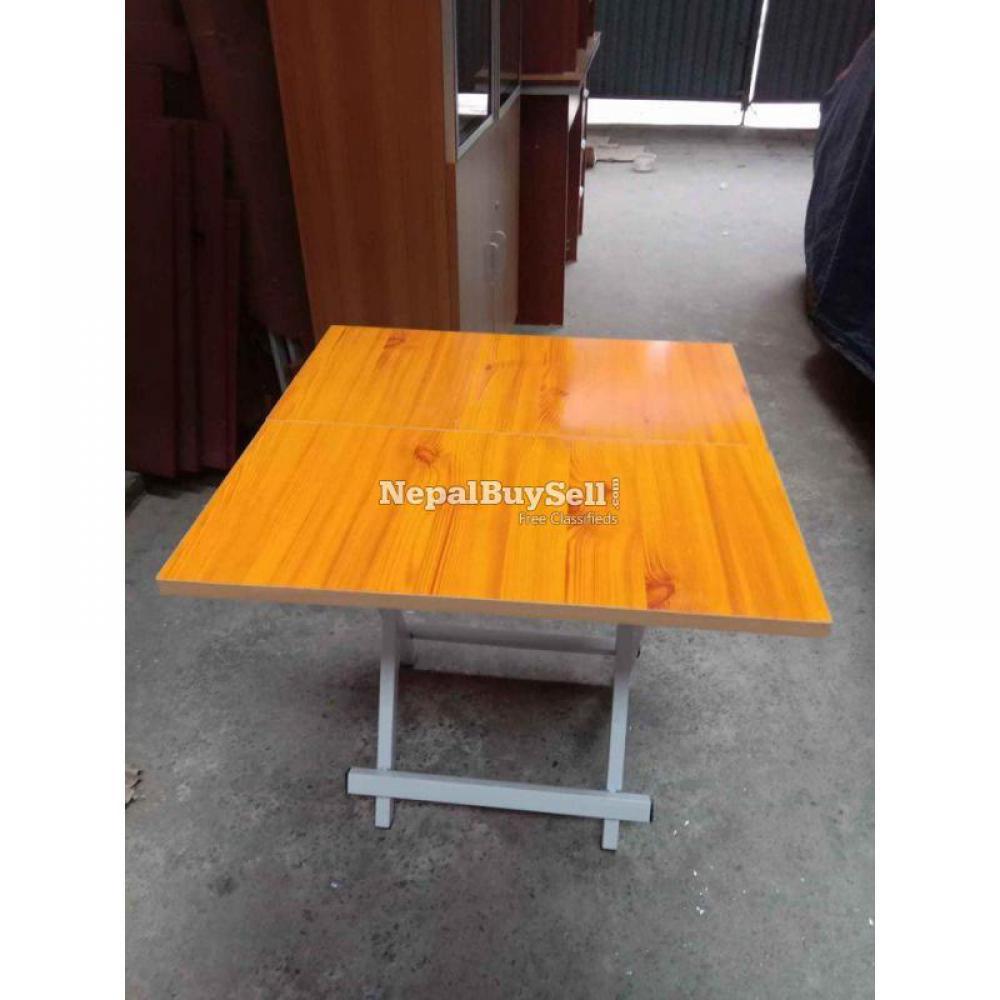 Folding table - 1/1