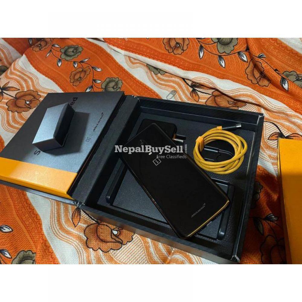 OnePlus 6T [ McLaren Edition ] - 1/2