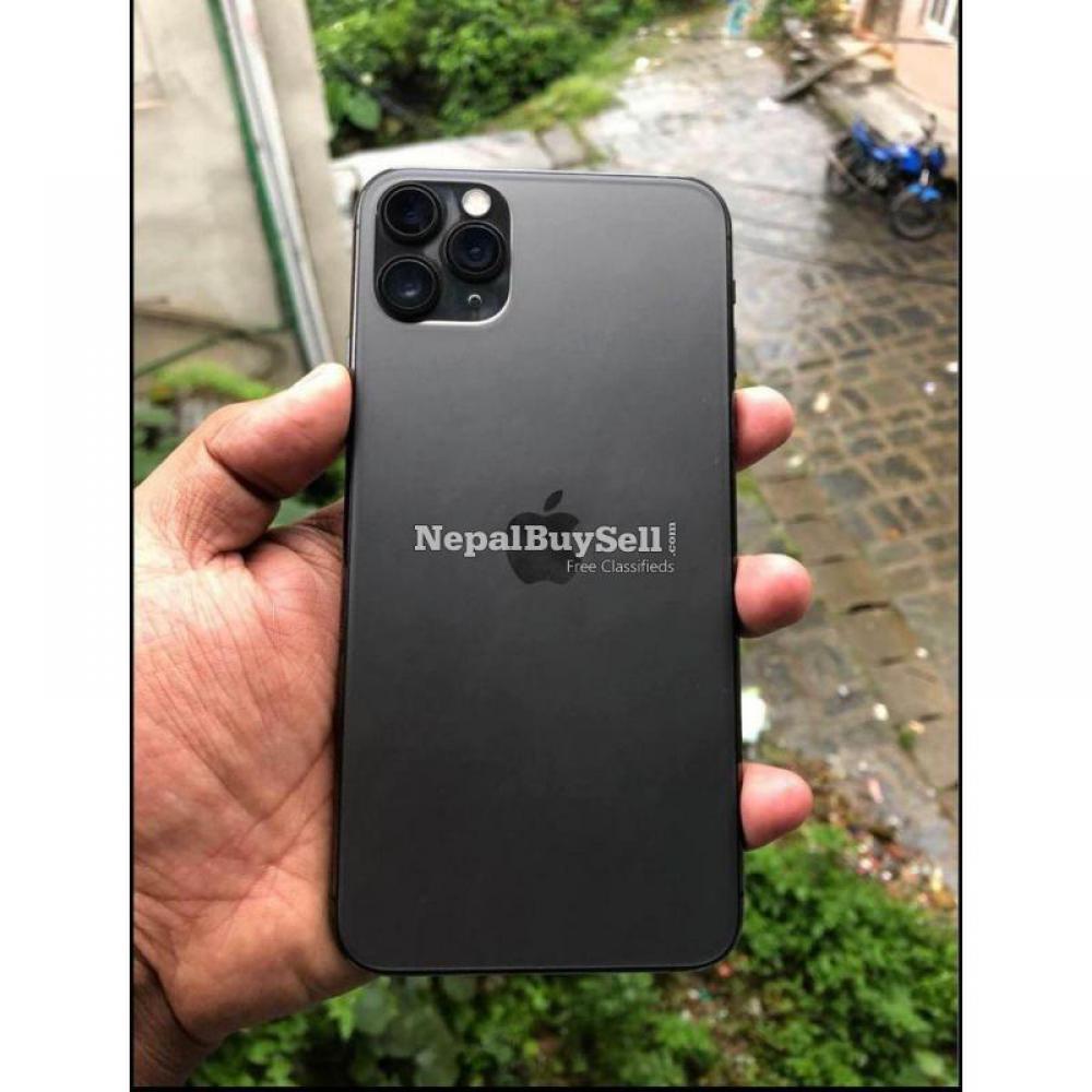 I phone 11 pro max Urgent sell - 1/8