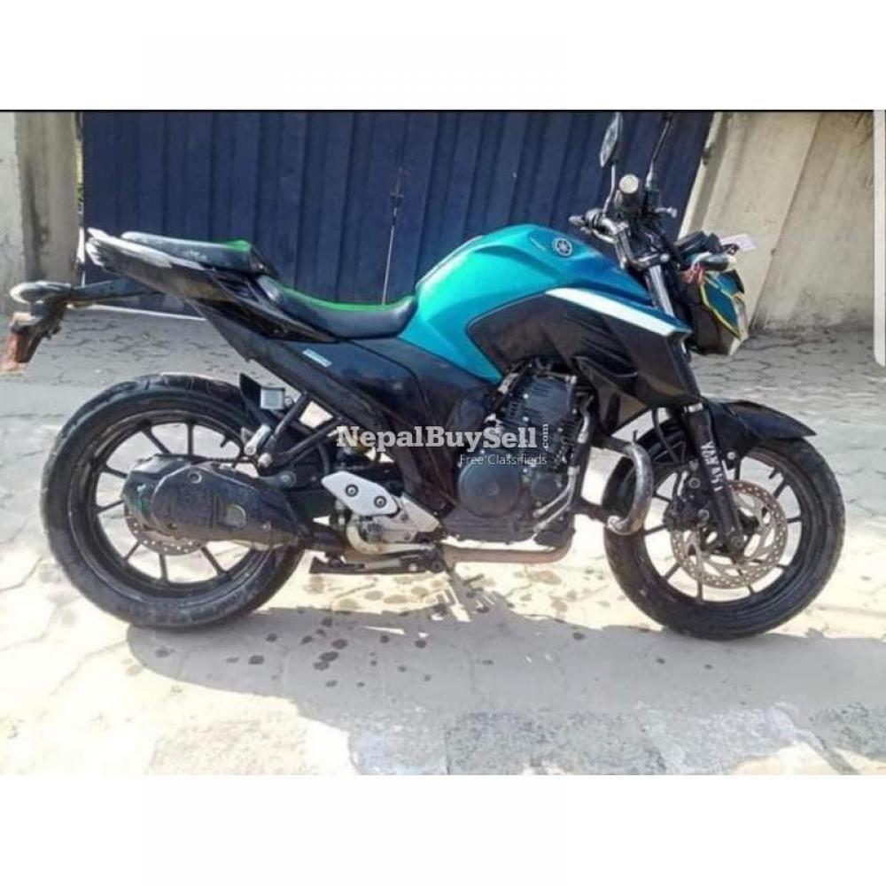 Yamaha fz25 96 lot - 2/4
