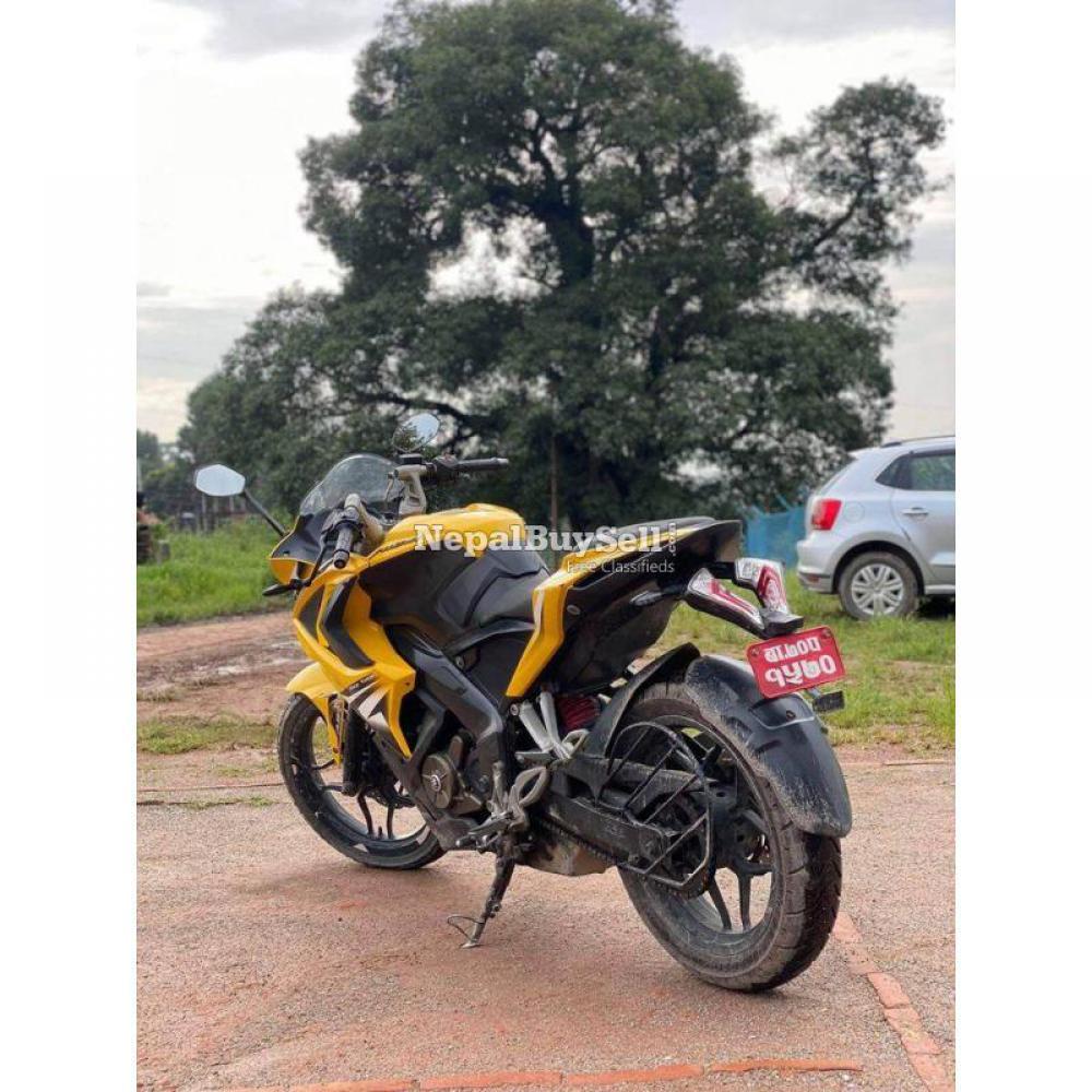 Rs 200 cc - 4/4