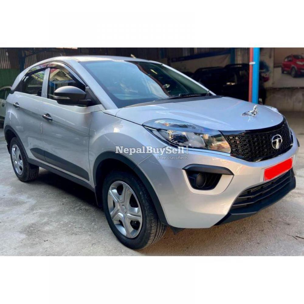 Tata Nexon Xm Petrol 2019 - 1/6