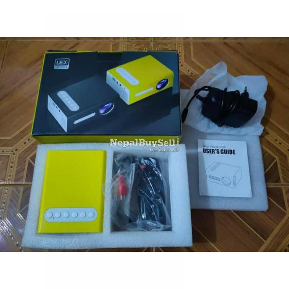 UNIC T300 Mini Projector - 6/8