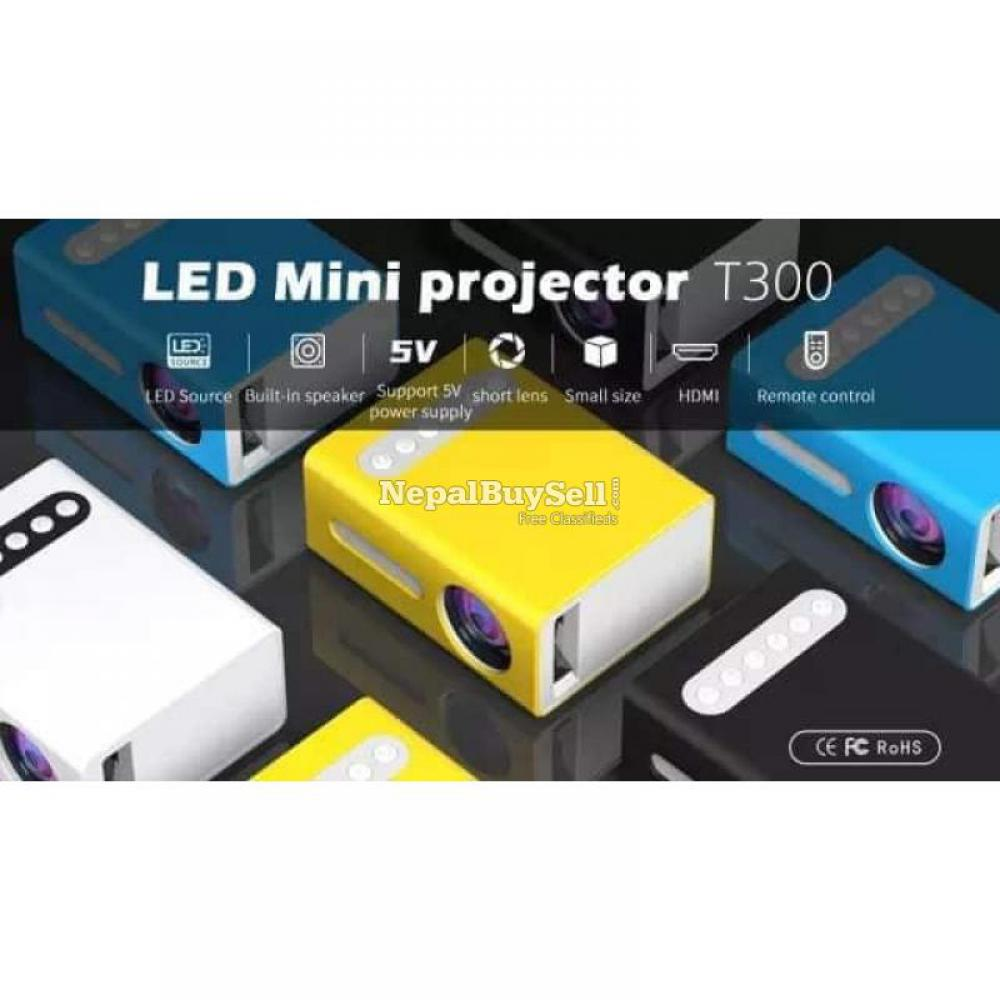 UNIC T300 Mini Projector - 7/8