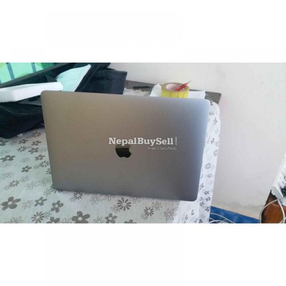 MacBook pro i5, 2017, retina display with true tone. Touch bar model - 6/6